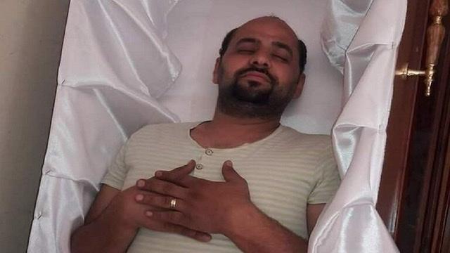مصري حاكى موته ساخرا والموت لم...