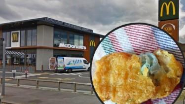 بريطانية تعثر على كمامات داخل وجبة دجاج