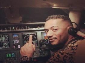 محمد رمضان والطيار من جديد